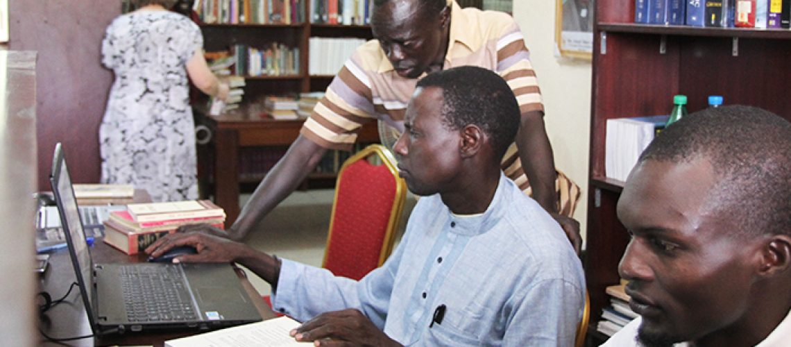 bishop-gwynne-south-sudan-bible-college-librarians-catalogue-laptop